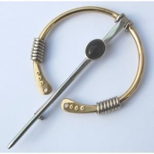 LARGE PENNANULAR BROOCH